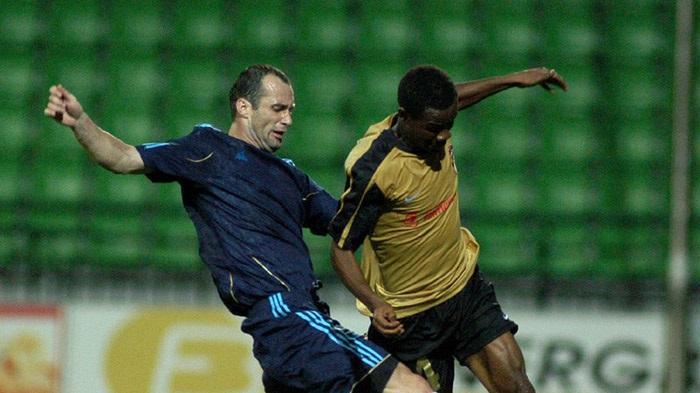 Лікіою (ліворуч) грав за Ворсклу у 2006-2008 роках / фото moldfootball.com