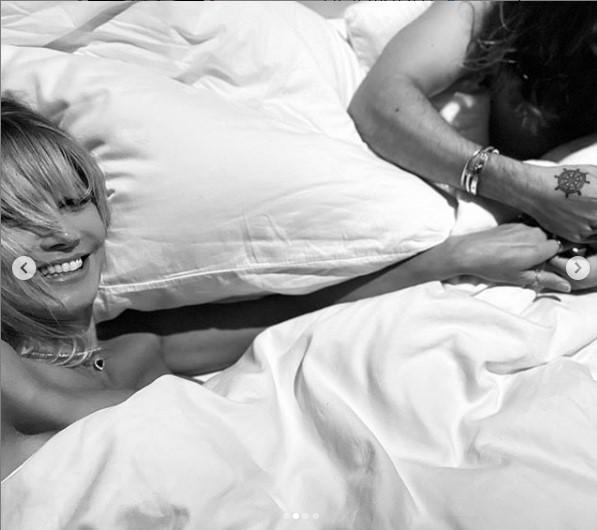 Хайди Клум в постели с мужем / фото Инстаграм Хайди Клум