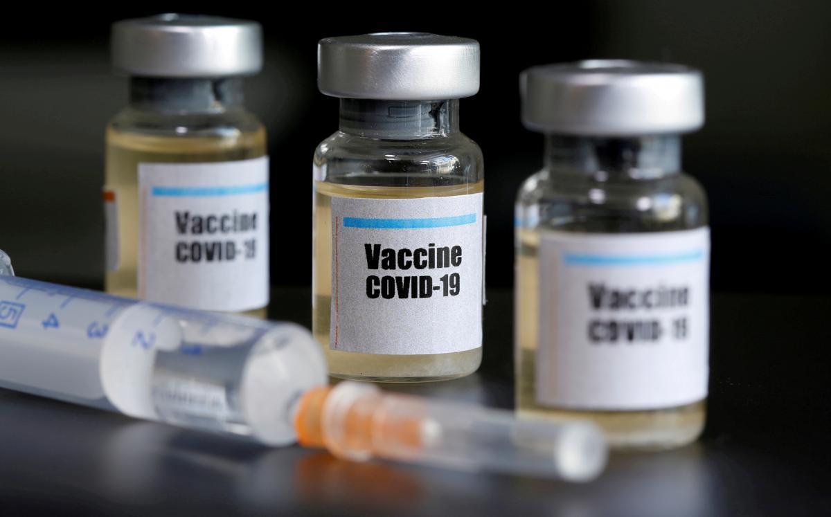 Литва предоставит Украине 100 тысяч доз вакцины от коронавируса / фото REUTERS