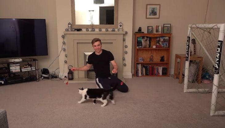 Блогер показал, как снимал свое видео / скриншот YouTube