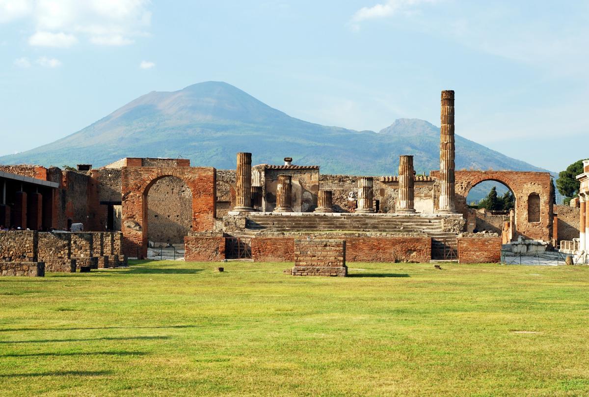 У 1748 році були виявлені руїни Помпей / фото ua.depositphotos.com