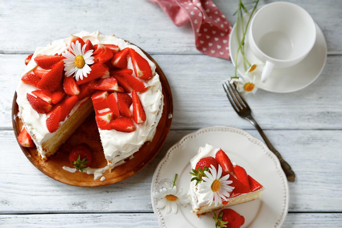 Как приготовить вкусный Клубничный торт / фото ua.depositphotos.com
