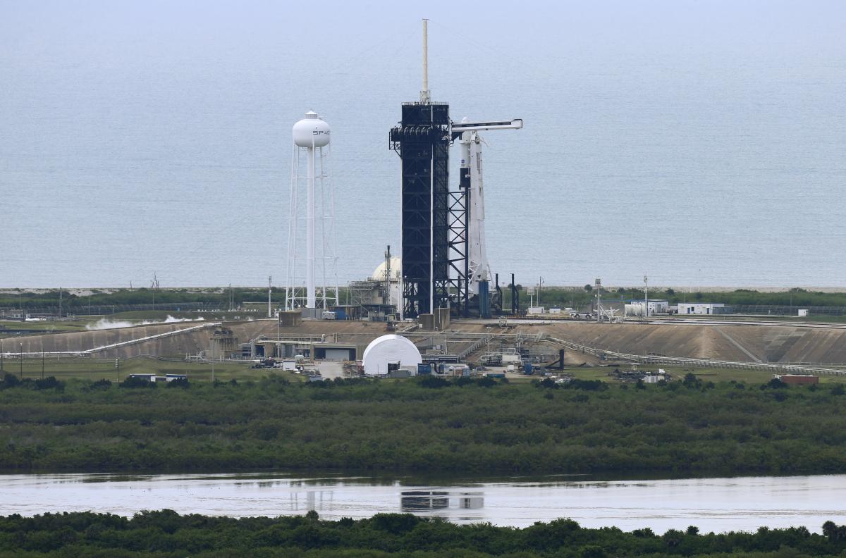 Запуск Dragon Crew до МКС скасували / фото REUTERS