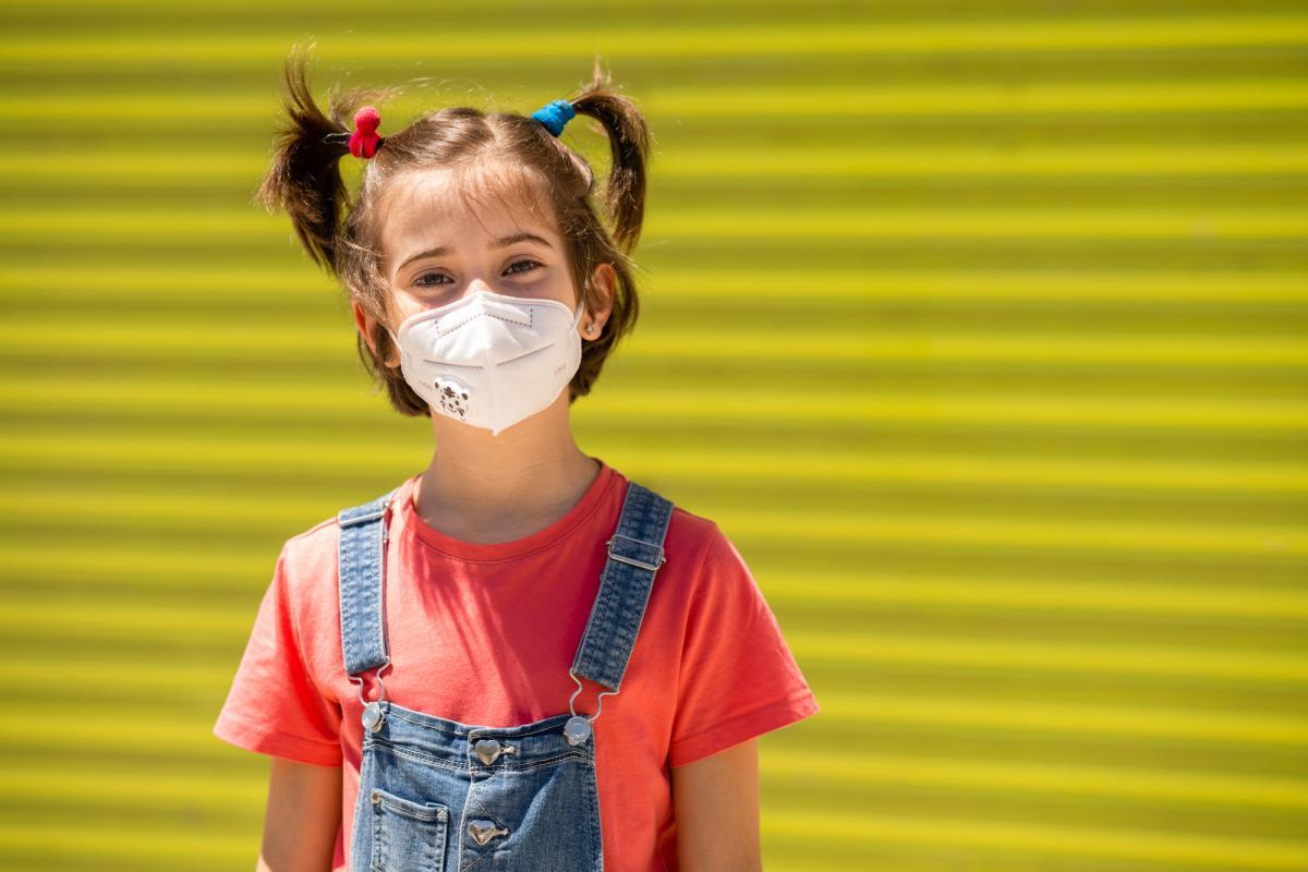 Британський штам небезпечний для дітей / фото ua.depositphotos.com