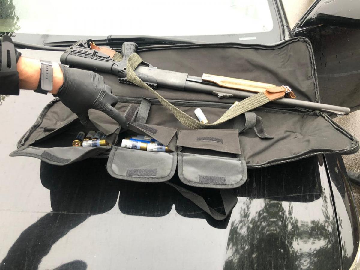 У затриманих знайшли різні види зброї / фото Антон Геращенко, Facebook