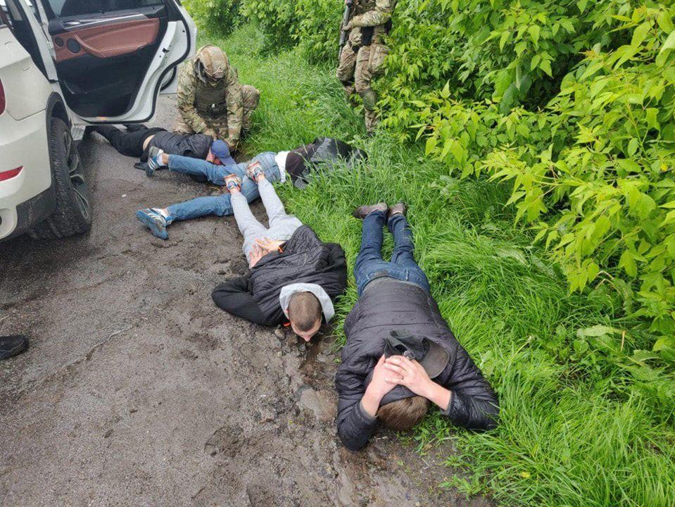 Задержаны что пятерых участников стрельбы в Броварах / фото Facebook Антона Геращенко