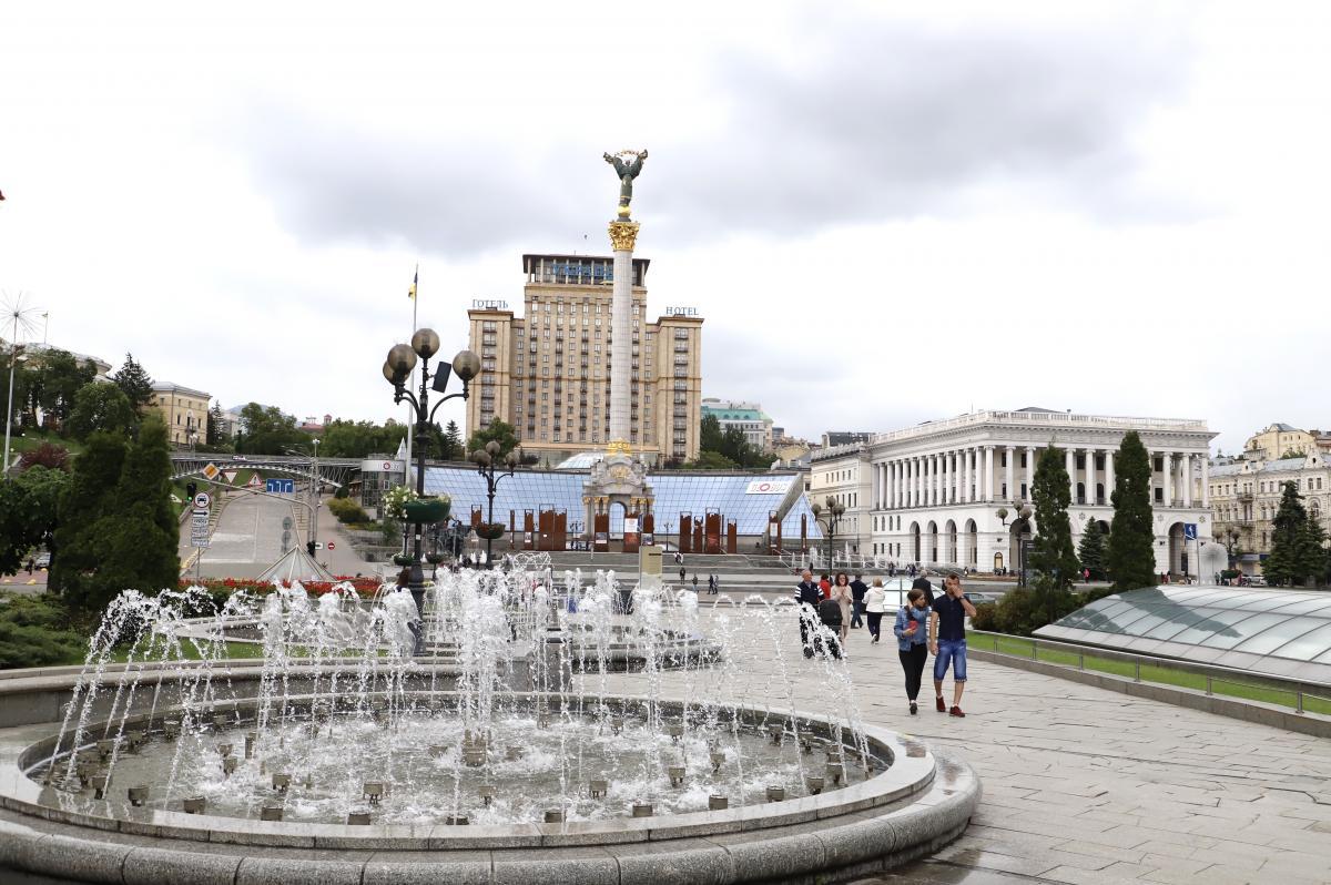 На День Києва запрацювали фонтани / фото КМДА