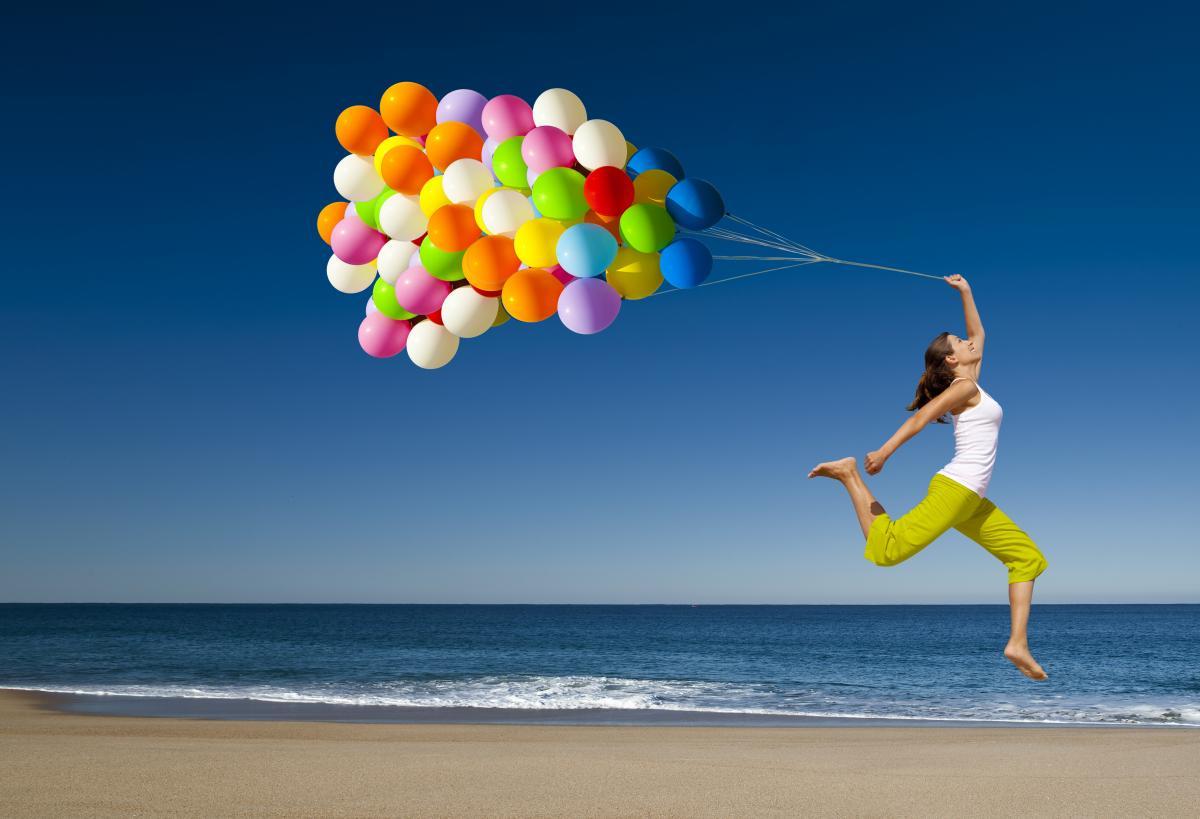 Рівень щастя ненабагато відрізняється у багатихі біднихкраїнах/ Фото ua.depositphotos.com