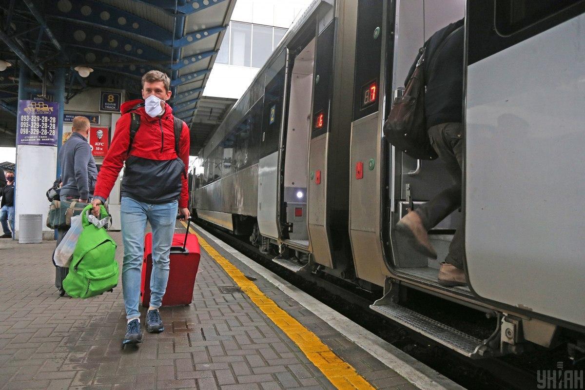 Укрзализныця запустила 6 поездов в курортные города / Фото УНИАН
