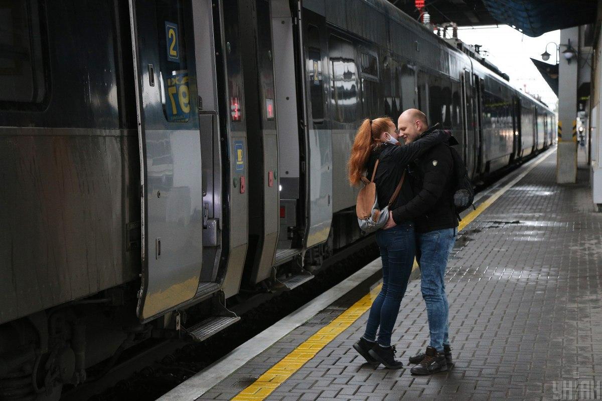 Київський вокзал оживає після карантину / фото УНІАН