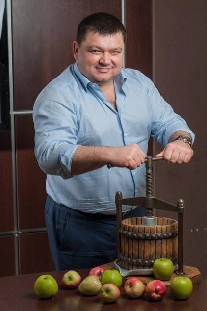 """Тарас Барщовський, засновник групи компаній T.B. Fruit, яка знову довела в судах незаконність рейдерських дій """"Інвестохіллз Веста"""""""
