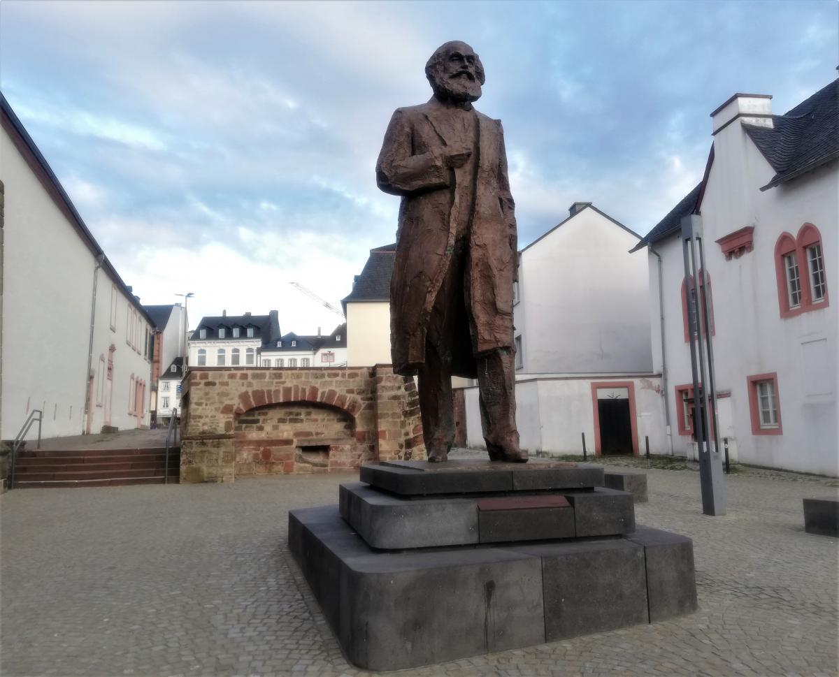 Пам'ятник Карлу Марксу в Трірі / фото Марина Григоренко