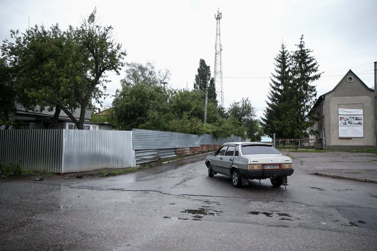 На этом месте был смертельно ранен пятилетний мальчик / фото УНИАН