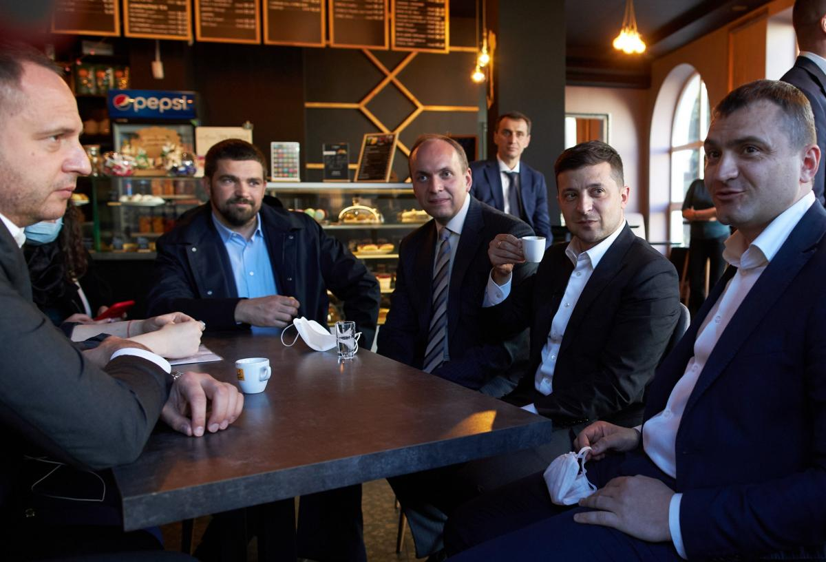 Zelensky not to be fined for cafe visit amid lockdown / facebook.com/president.gov.ua