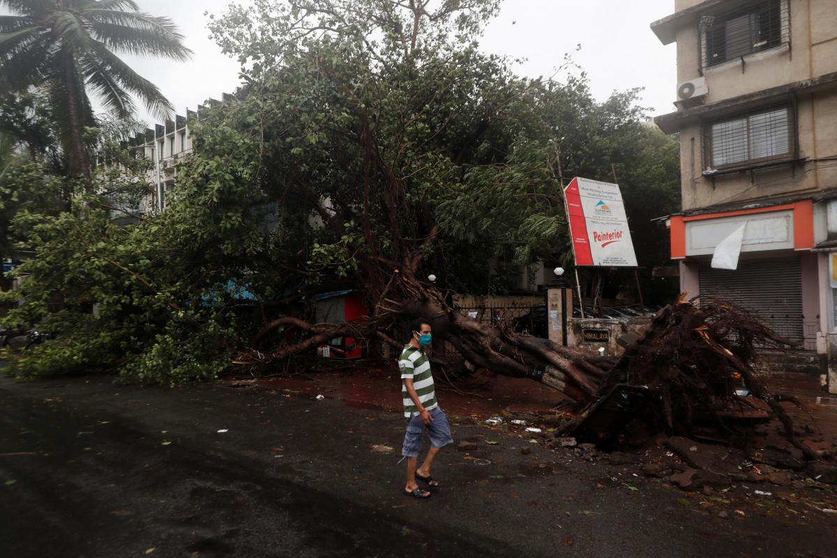 Последствия циклона в Индии / REUTERS
