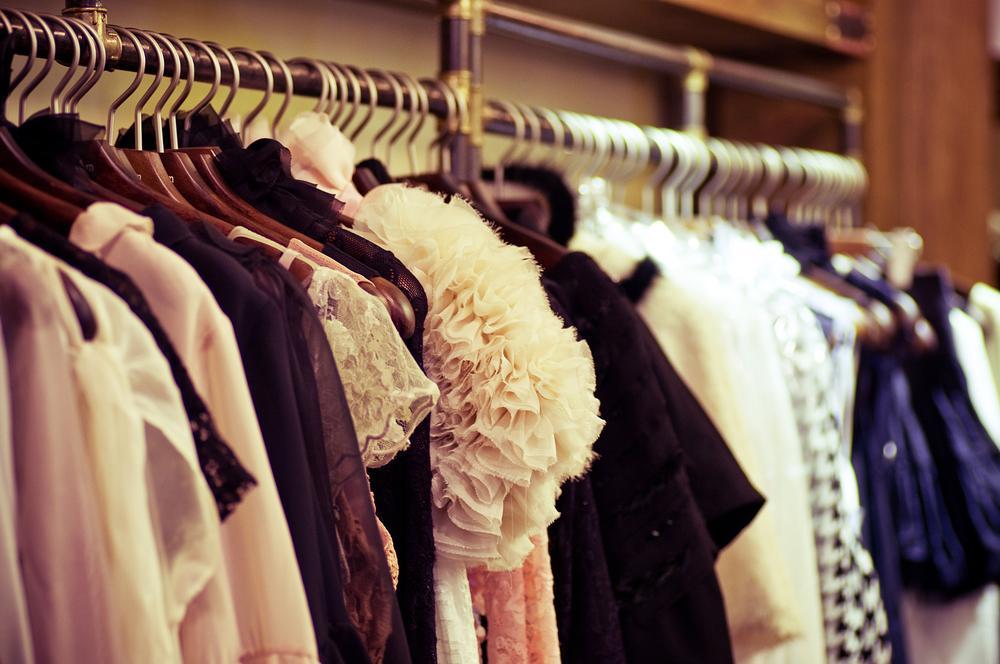 Спровоцировать резкие изменения цен на промтовары, по мнению экспертов, может только курс нацвалюты / фото ua.depositphotos.com