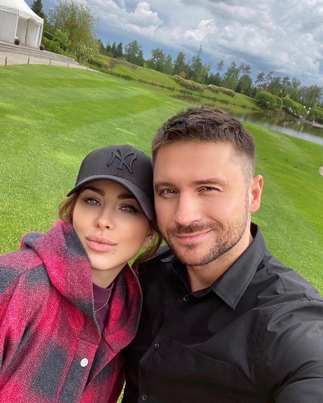 Ани Лорак опубликовала новый снимок в компании Сергея Лазарева / Instagram Ани Лорак