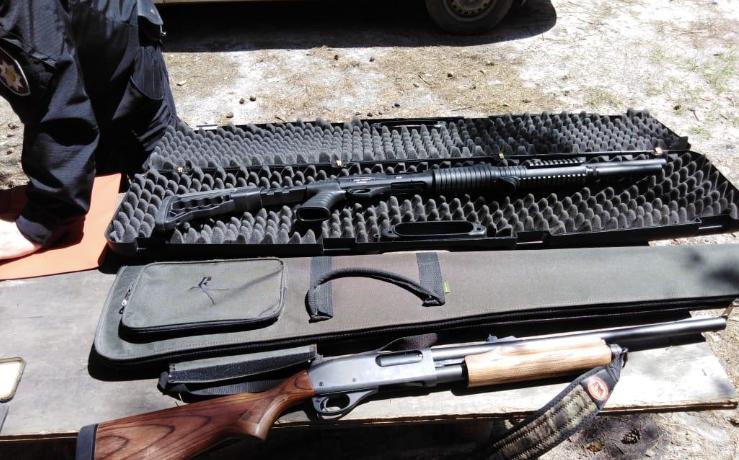 Поліцейські вилучили у порушників зброя / kv.npu.gov.ua