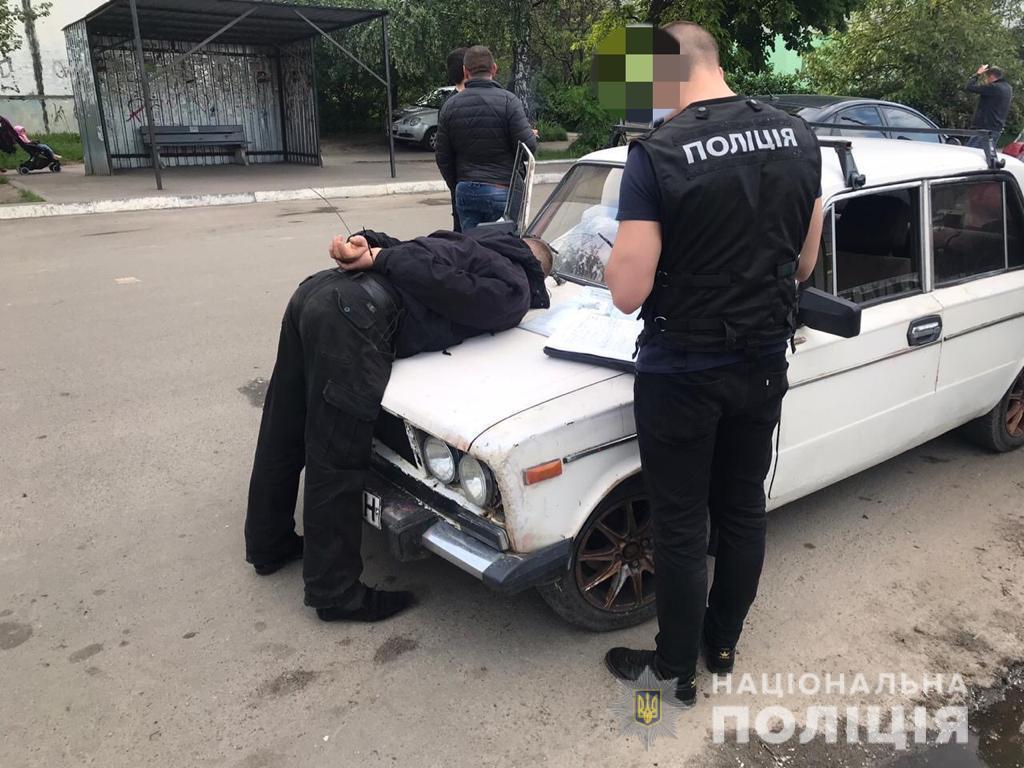 Полиция задержала мужчину, пытавшегося продать ртуть / Нацполіція