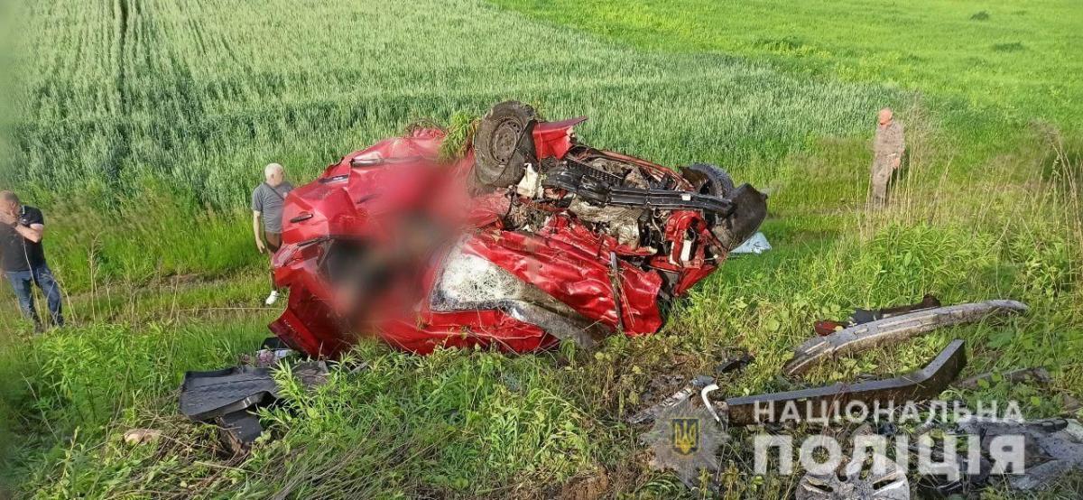 Установлено, что виновником аварии ьыл 26-летний житель Винницкой области / фото Нацполиция