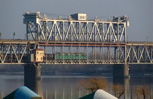 Аварийным мост был признан еще в конце прошлого столетия/ Фото: Евгений Асауленко