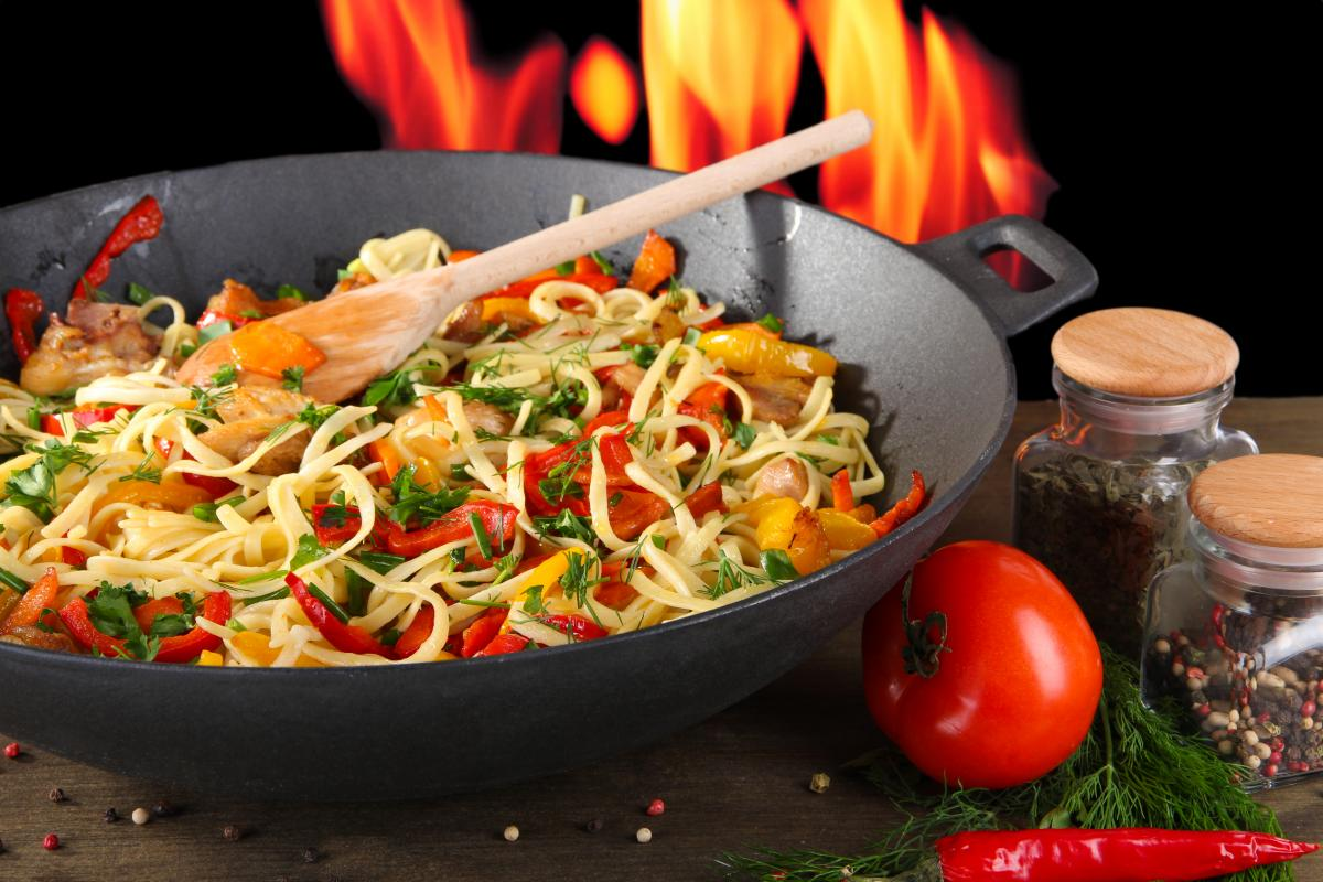 Китайців навчать доїдати замовлену їжу / фото ua.depositphotos.com