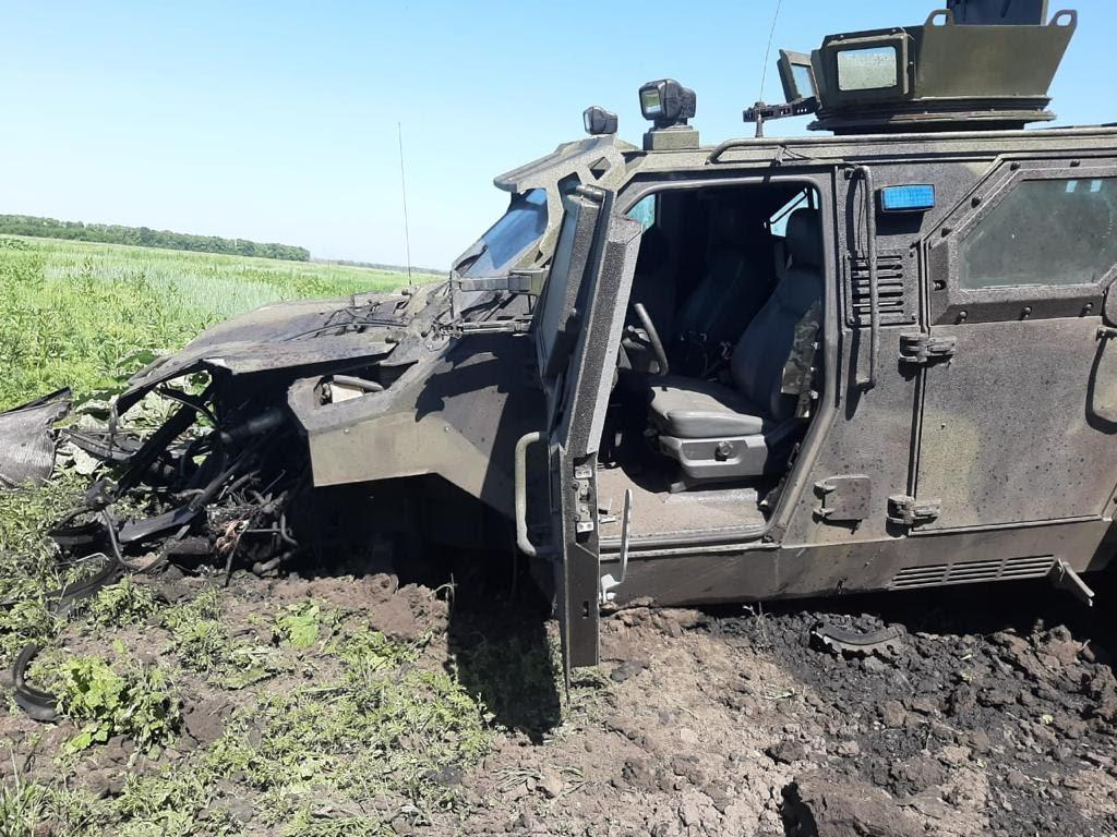 The vehicle hit an explosive device / Photo from gp.gov.ua