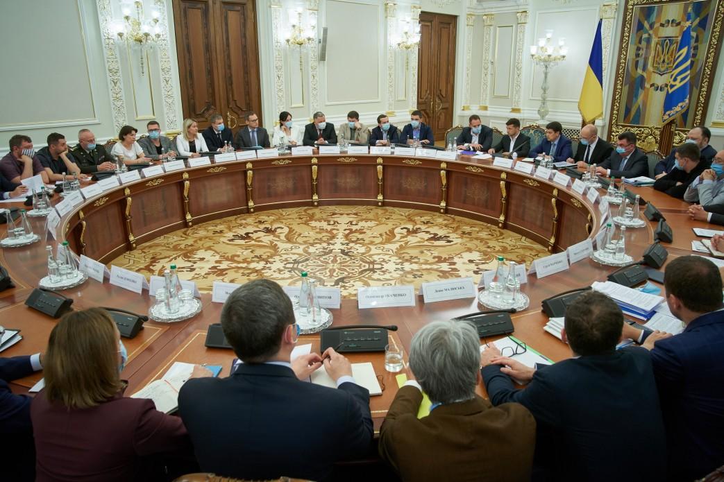 The parliamenton June 4 sent the government's program for finalization / Photo from president.gov.ua