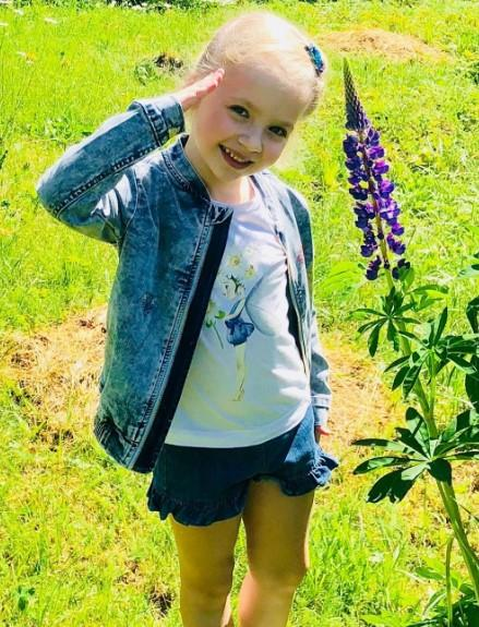 Маленька Ліза / фото instagram.com/alla_orfey