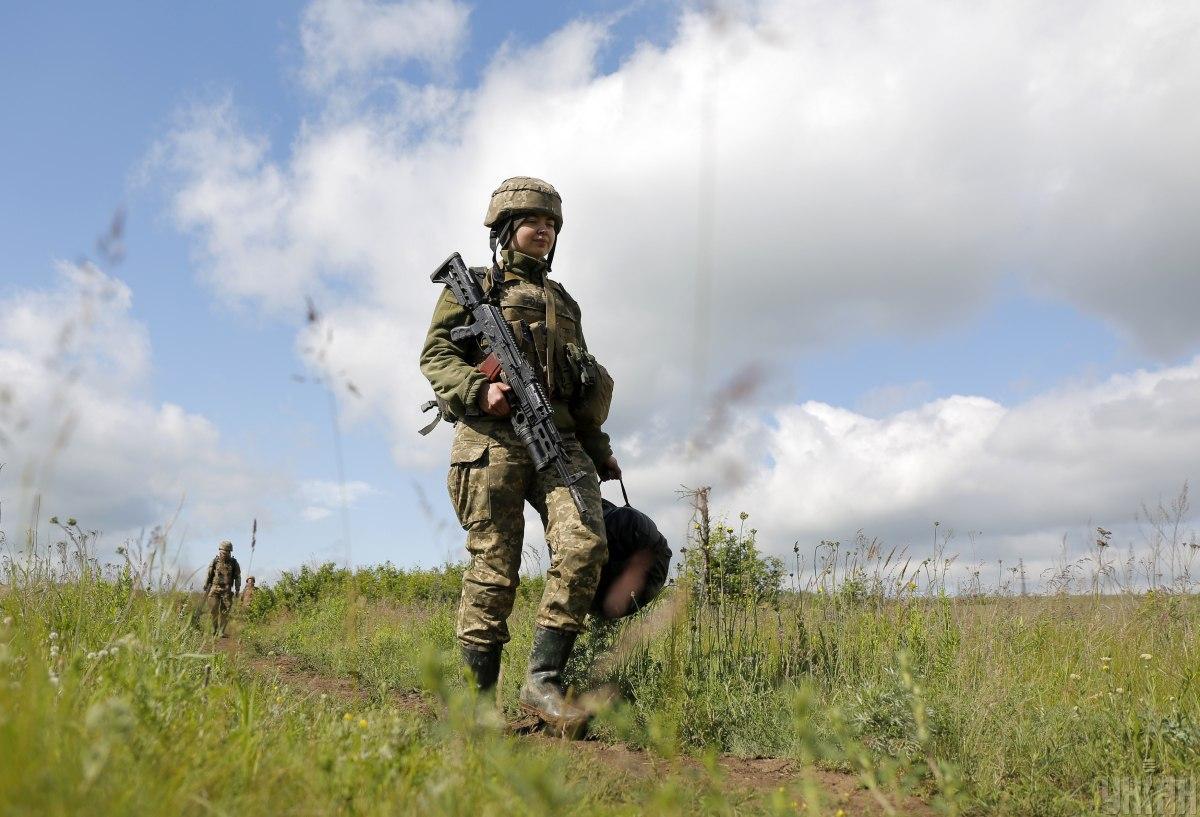 Наши защитники открывали огонь в ответ / фото УНИАН