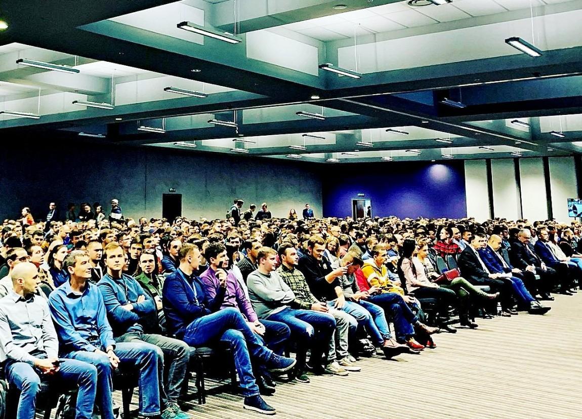 В компании Прогресстех-Украина отмечают, что занимаются трудоустройством молодых специалистов / фото progresstech.ua