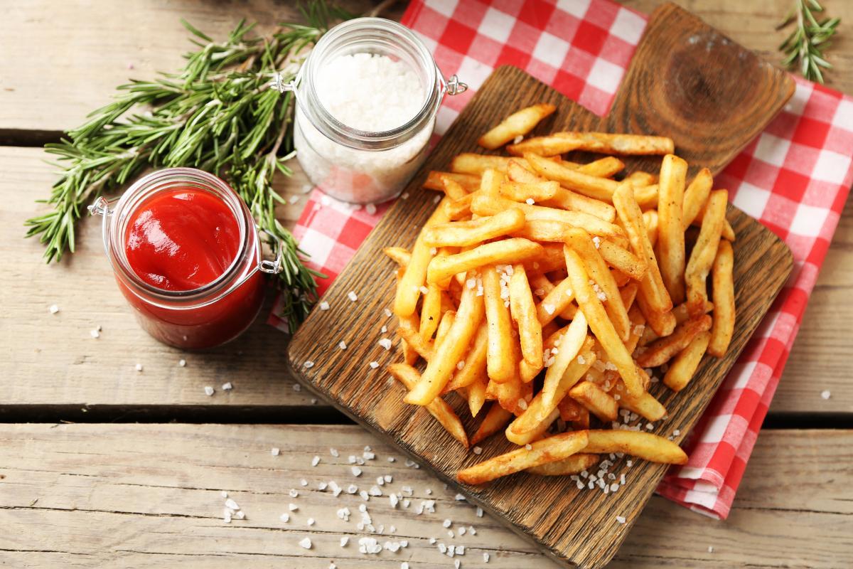 Как приготовить картофель фри дома / фото ua.depositphotos.com