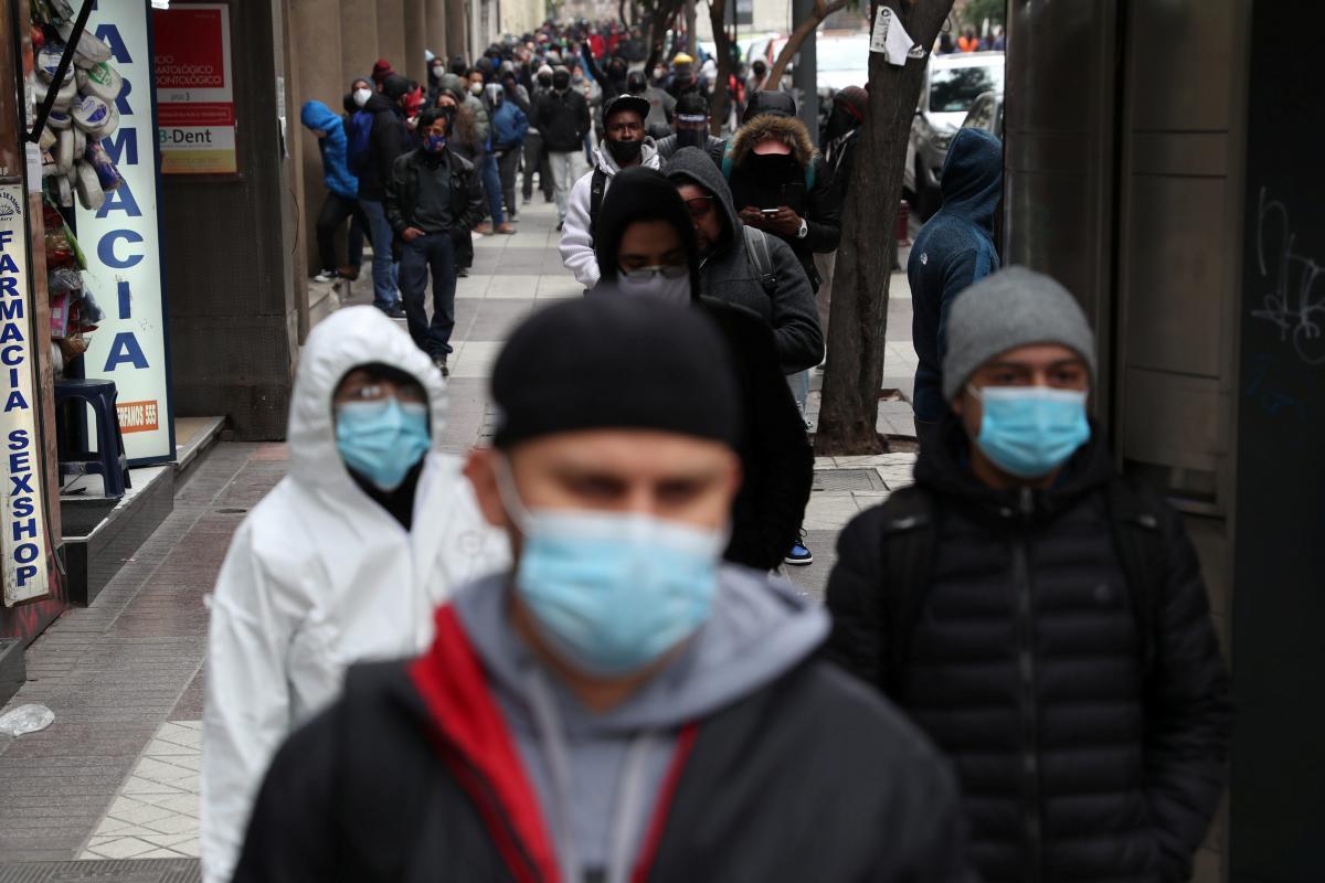 Кількість випадків коронавірусу в світі перевищила 56,2 мільйона / REUTERS