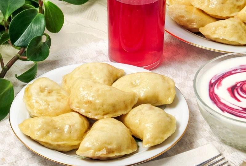 Тесто для вареников дрожжевое / фото prokefir.ru