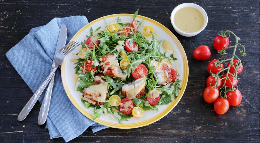 Як приготувати салат з копченою куркою / фото gastronom.ru