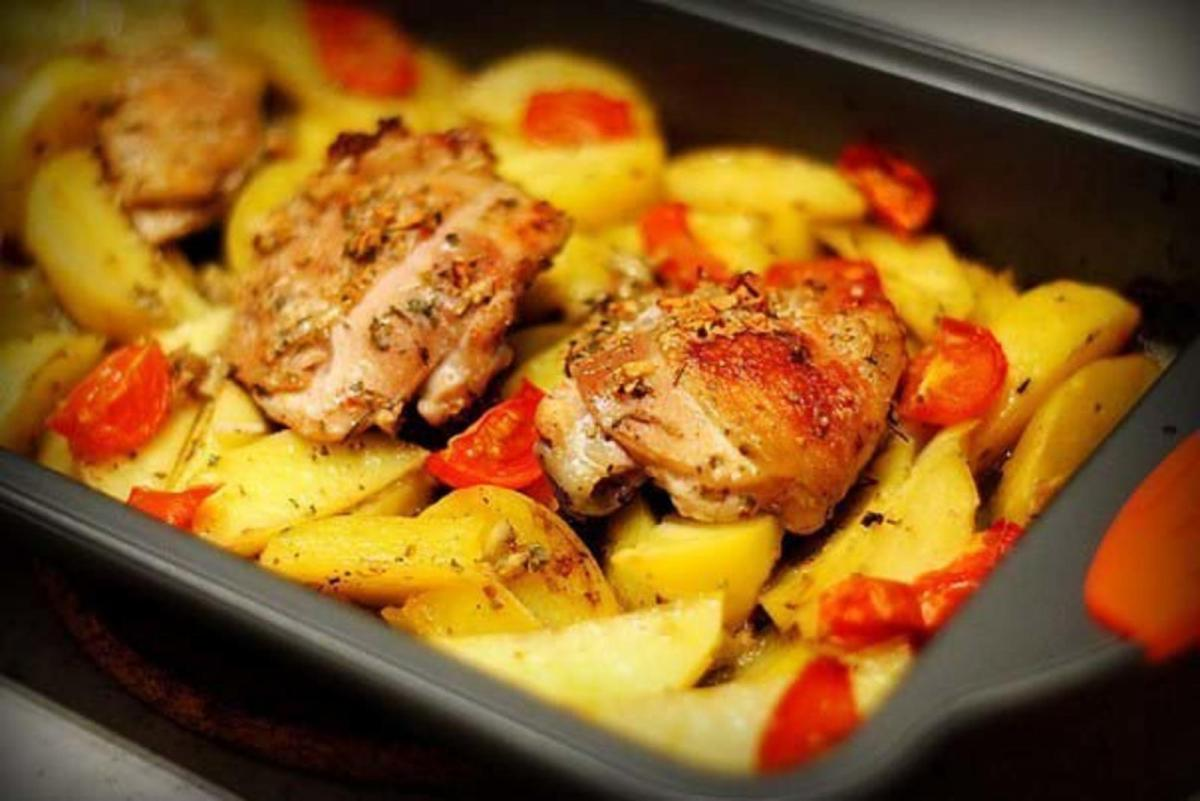 Рецепт картофеля в духовке / фото womanlifeclub.ru
