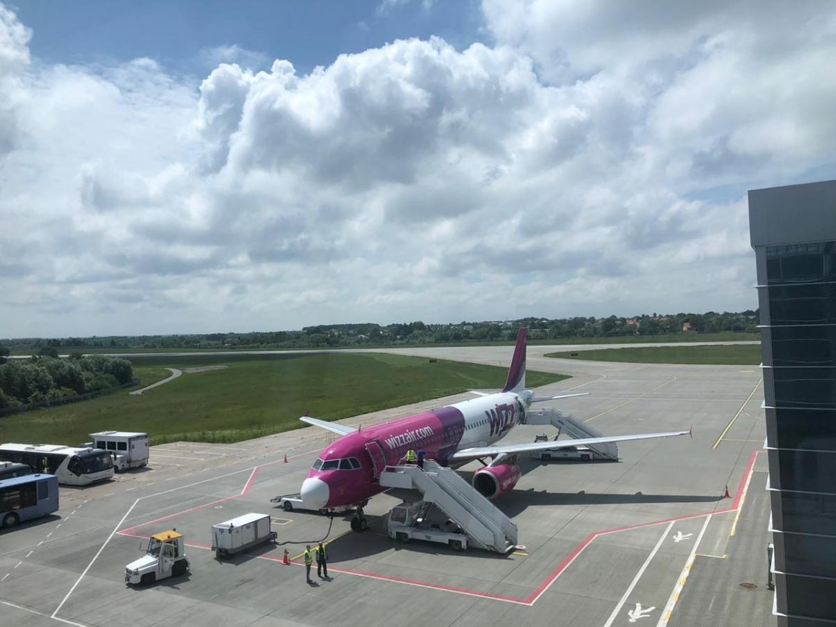 Аэропорт Львов возобновил международные рейсы / фото t.me/vladyslavkryklii