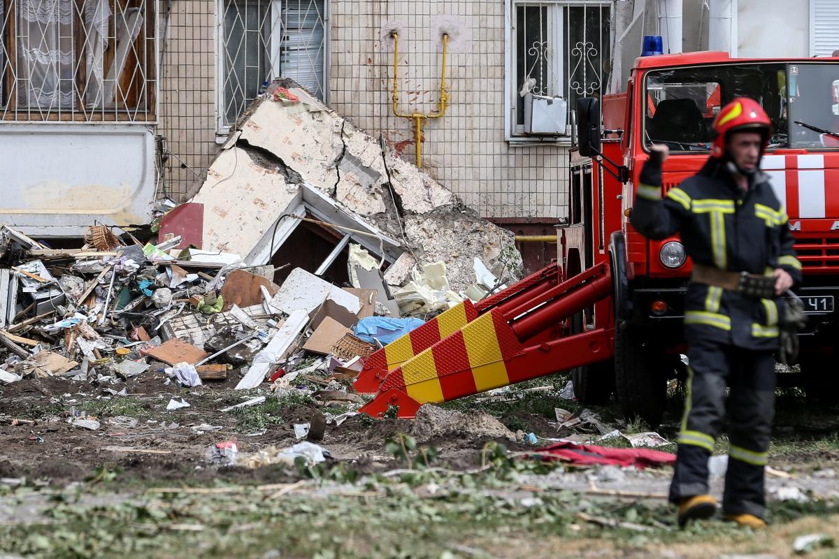 На Позняках в результате взрыва бытового газа погибли пятеро людей/ фото УНИАН
