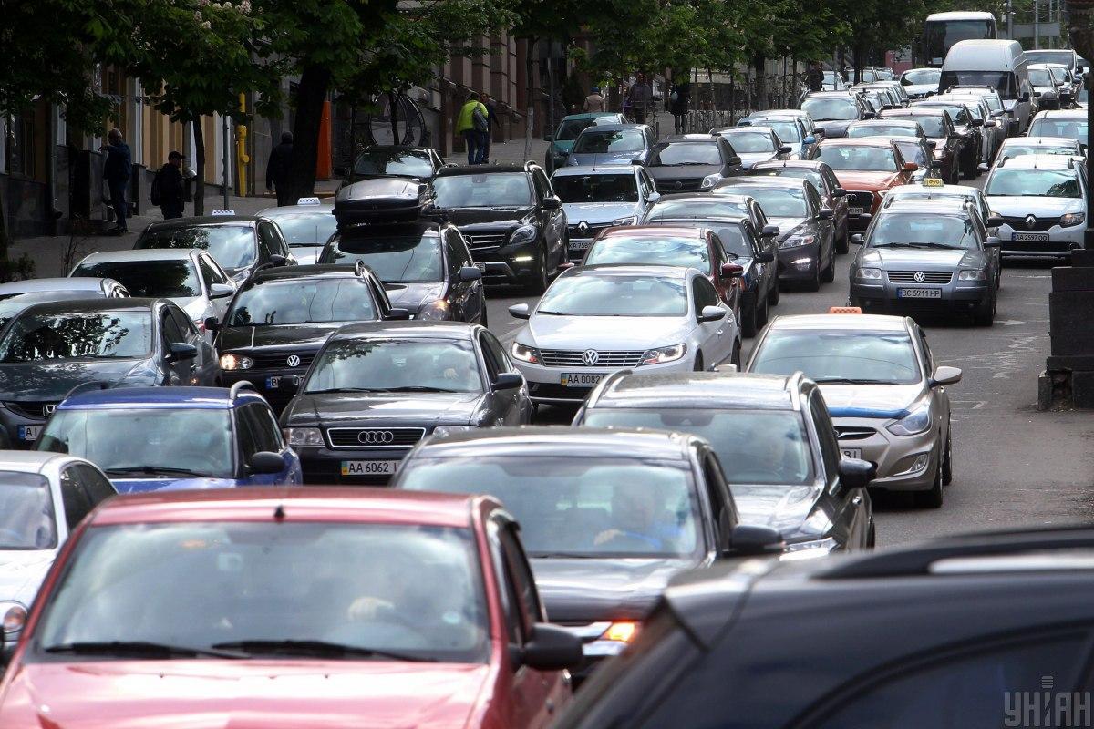 Затори у Києві: ситуація на дорогах та мостах столиці у вівторок зранку