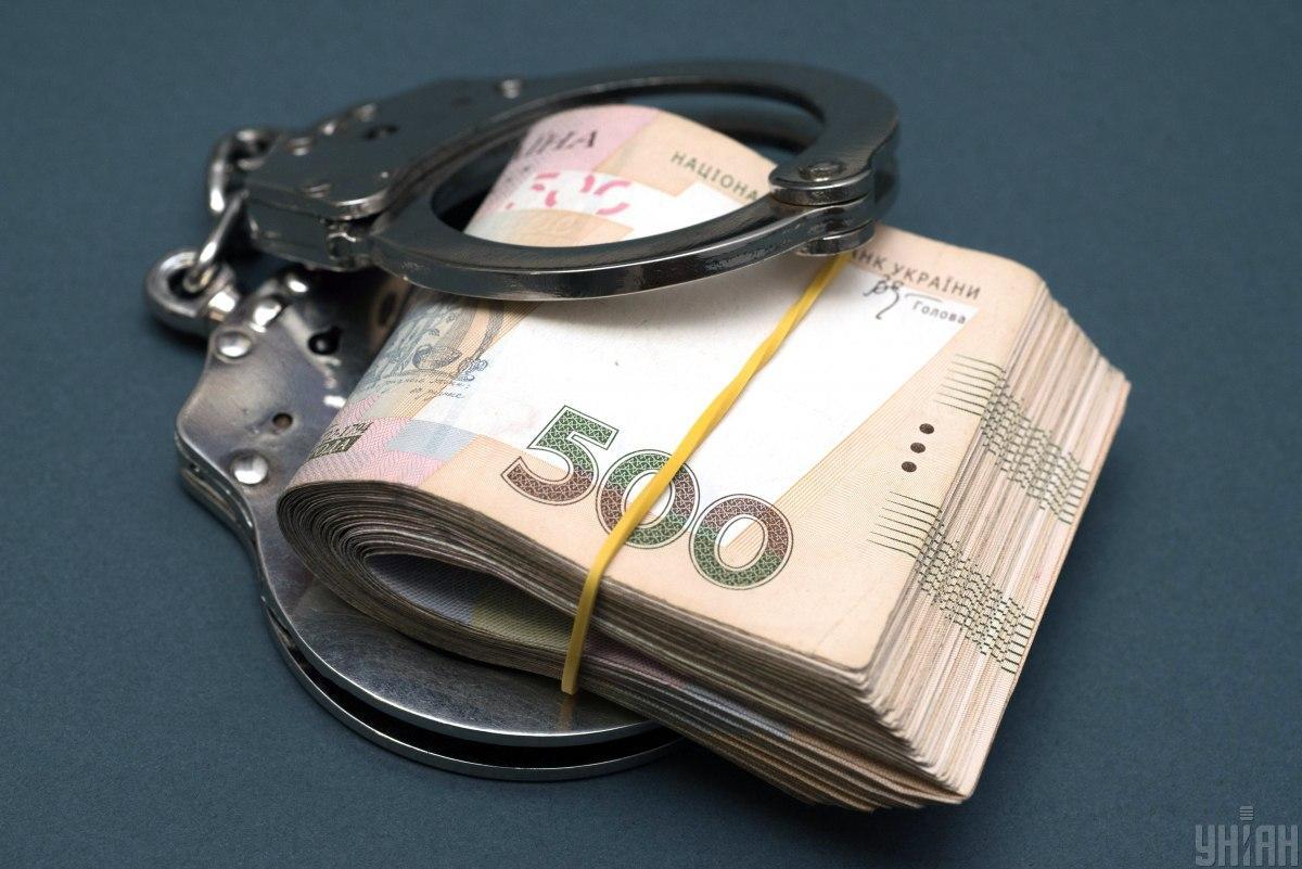 Фигурант систематически требовал деньги за непривлечение к уголовной ответственности граждан \ фото УНИАН