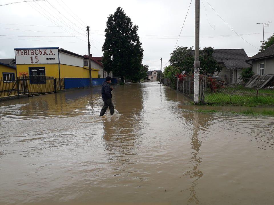 Ливни на западе - затопленыпочти 4 тысячи населенных пунктов / фото tsn.ua