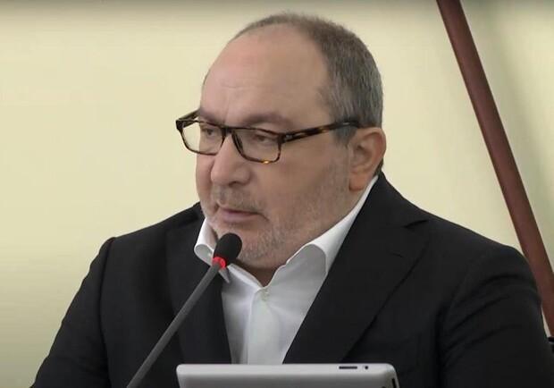 Кернес на сессии горсовета был без маски / фото: скриншот видеотрансляции