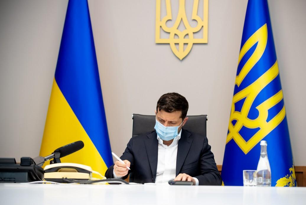 Зеленський підписав закон про недопущення нарахування штрафів за простроченнякредитів/ фото president.gov.ua