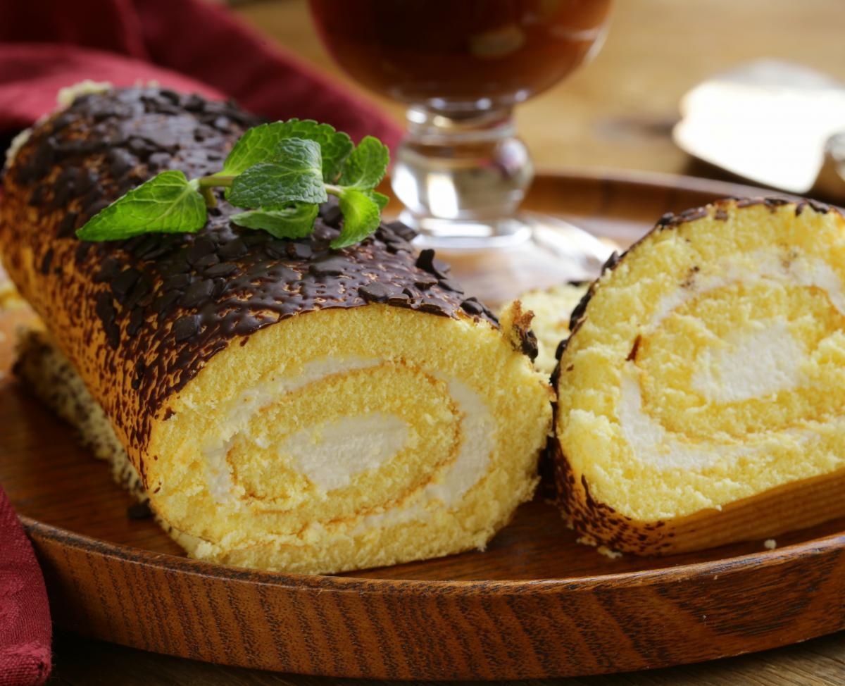 Рецепт бисквитного рулета / фото ua.depositphotos.com