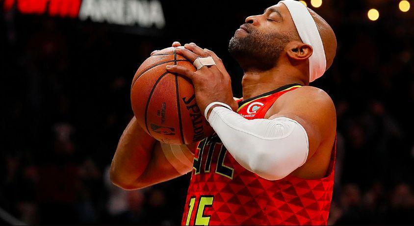 Вінс Картер провів в НБА сезону 22 / фото nba.com/hawks
