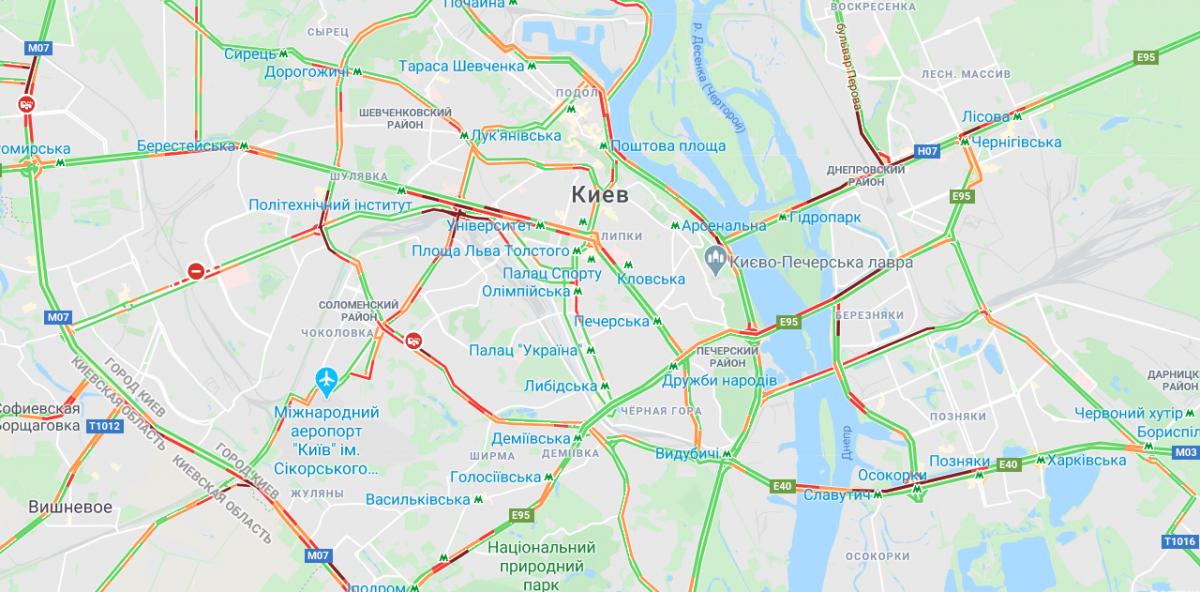Традиційно зупинився рух на мостах / Google Maps