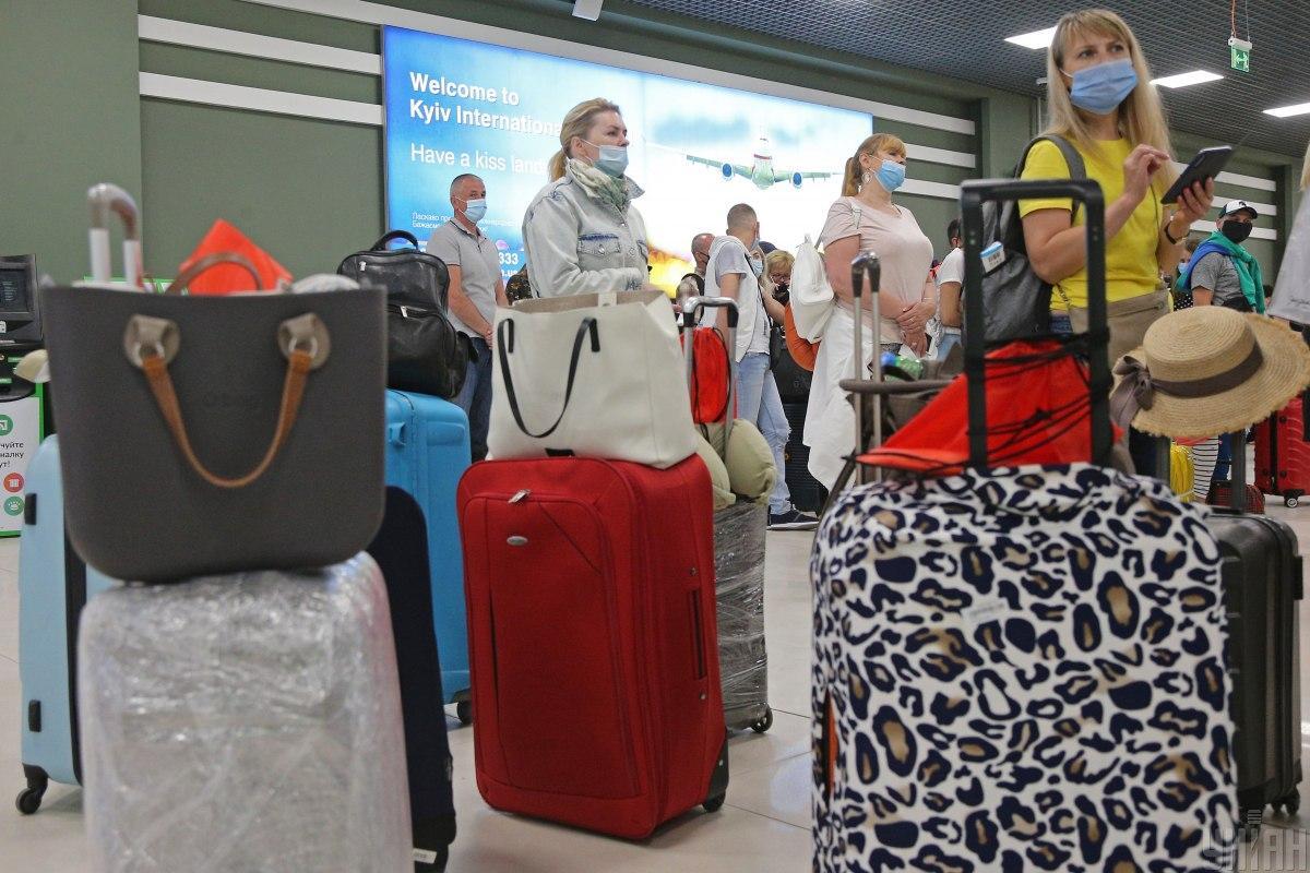 ПЦР-тест можно сделать в аэропорту / фото УНИАН