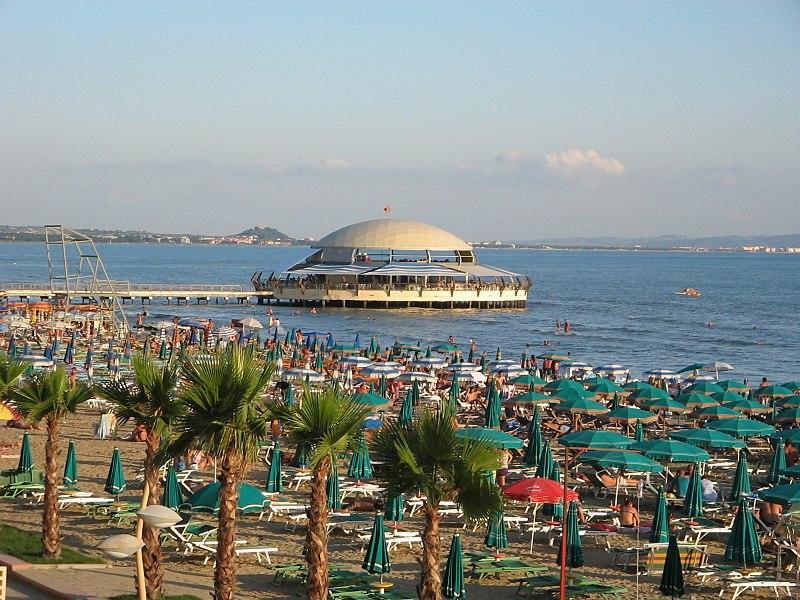 Порт Дурреса – єдина природна гавань на албанському узбережжі / фото de.wikipedia.org