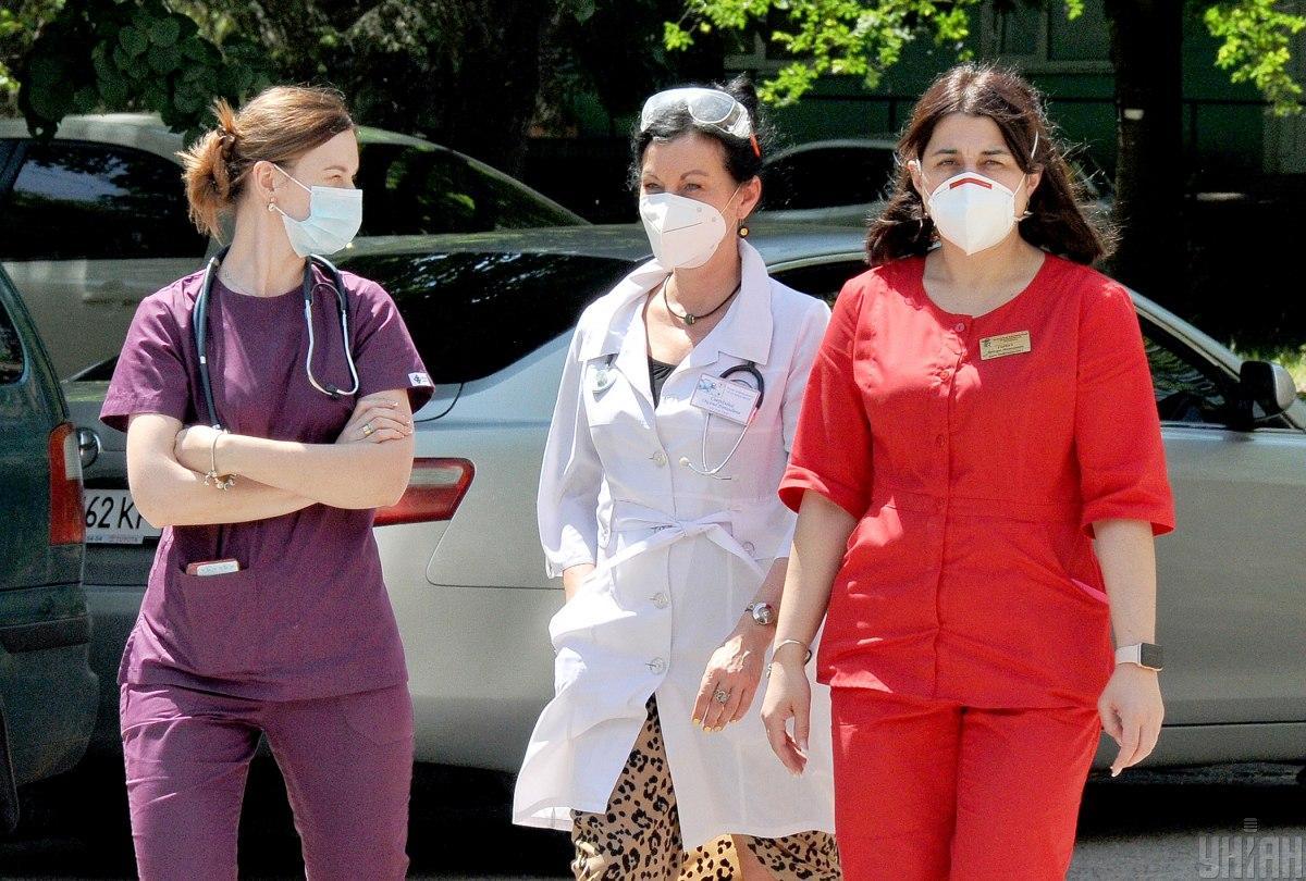 Медики стали меньше болеть коронавирусом / фото УНИАН