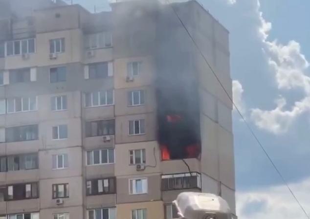 Пожар произошел на той же улице, где на днях прогремел взрыв / Скриншот
